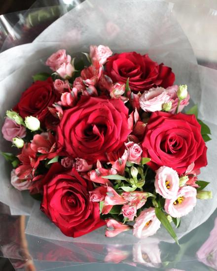 Premium Black Box - Red Roses