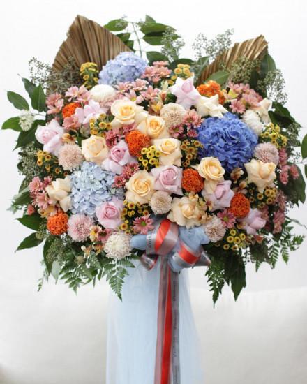 Valentine's Day Roses & Hydrangea Bouquet