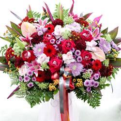 Glasshouse Florist 📱Easy order: +62821-8183-1182 (WA) 🌎 Online catalogue: https://glasshouseflorist.com ✉️ Email enquiries: info@glasshouseflorist.com 🔗 For easy links, please see our Bio!  #standing #flowers #arrangement #florist #jakarta #congratulations